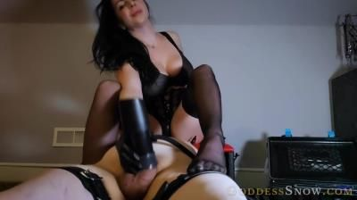 Goddess Alexandra Snow: Testing Out The Milking Machine