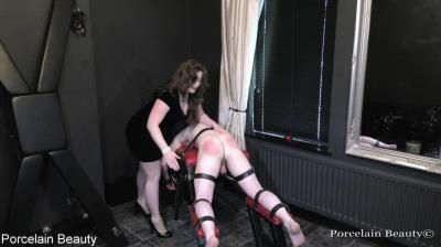 Porcelain Beauty: Finale Spanking