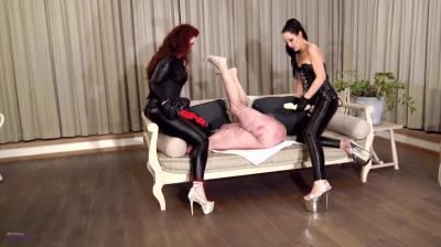 Mistress Lady Renee: Mistress Lady Renee - Sofa Strap-On Surprise