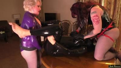 Julie Simones Fetish Mega Store: Double Stuffed Again Spitroast W Anna Valentina And Julie Simone In Latex