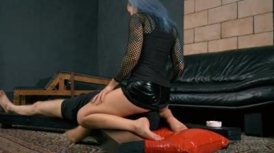 Cruel Anettes Fetish Store: Mistress Anette - Pussy On His Face Ii