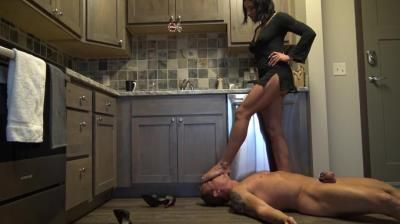 Goddess Zephy: Abuse Of Power (Locked In Chastity)