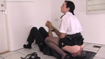 Facesitting Bitches: Jessica - Fb1251 - Special Interrogation
