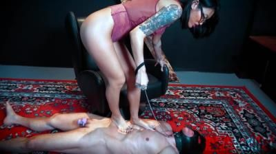 Domina Planet: Asia Perez - Smothering My Foot Bitch
