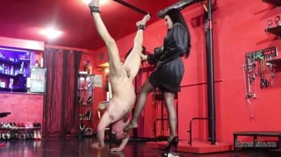 Mistress Iside: Break-Mouth Foot Gagging