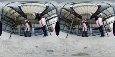The English Mansion: Mistress Evilyne, Mistress Sidonia - Party Convenience - Vr - Complete Film