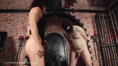 Ball Busting Chicks: Inessa - The Ball Torturess