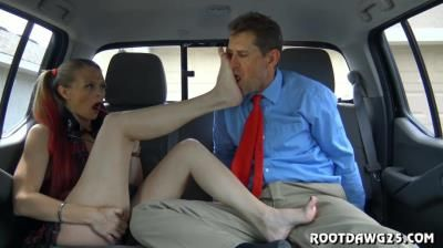 Rootdawg25 Dirty Feet: Kitty Quinn In Back Seat Footjob