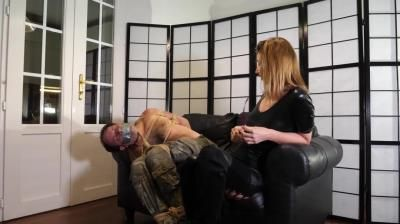 Layla Bondage Addiction: A Womens Job