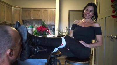 Goddess Zephy: Lick The Soles Of My Boots Clean, Loser