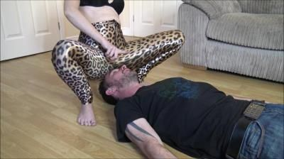 Brook Logans Official Clip Store: Sitting On My Losers Face