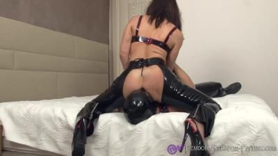 Clips4sale: Femdom Gets Her Holes Eaten Out During Nasty Rimjob
