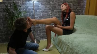 Beautiful Girls: N070 Princess Joel These Are Spitting And Blows In The Face