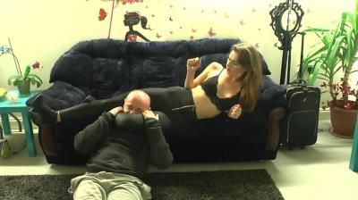 Sexy Assassin: Mistress Suzy - Suzy Loves To Squeeze Heads