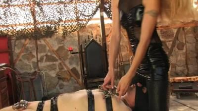 Sado Ladies Femdom Clips: Facesitting, Nipple Torture - Facesitting And Nipple Torture