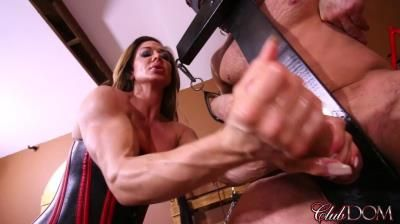Clubdom: Nina Dolci - Draining Her Slaves Filth