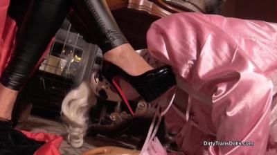 Dirty Trans Dolls: Fetish Liza, Mistress Lady Renee - Stiletto Worship By Our Sissy Maid