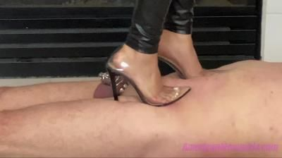 The Mean Girls: Goddess Draya - These Heels Are Made For Walking Allover Slaves