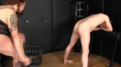Ball Busting World: Smashed Balls Relieve Stress