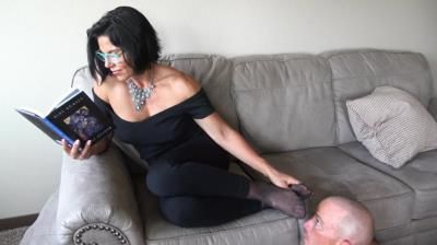 Goddess Zephy: Ignored By Nylons, Pt1