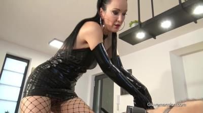 Glove Mansion: Fetish Liza - Milked And Bound Latex Glove Slave