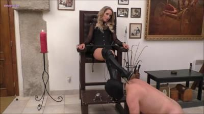 Mistress Courtney: My Boots Must Shine, Slave