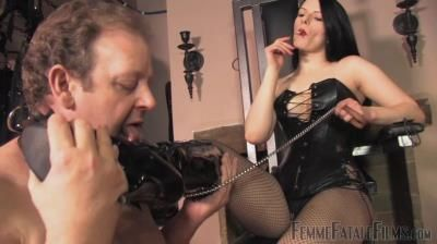 Femme Fatale Films: Rebekka Raynor - Boot Licker - Complete Film