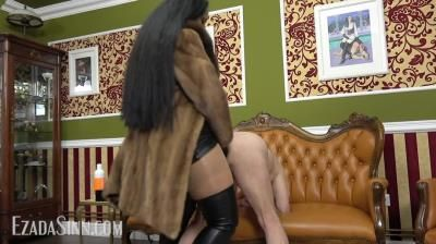 Mistress Ezada Sinn: Pegging In Furs