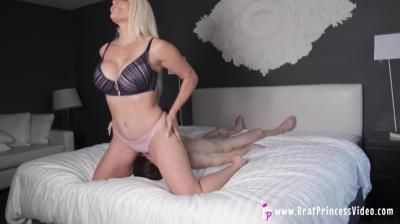 Brat Princess 2: Macy - I Love Sitting On Your Face