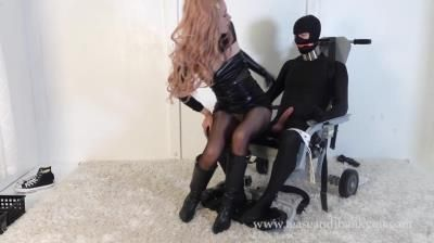 Tease And Thank You: Emerald - Daddys Special Chair 2