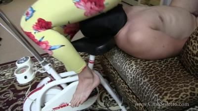 Clubstiletto: Miss Madison - Rides Her Bike And Pisses In Her Panties