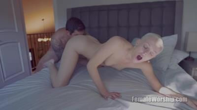Female Worship: Sidra Sage - Grind That Face In My Ass