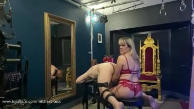 Clips4sale: Mistress Tess - Butt Hooked And Edged In Lock
