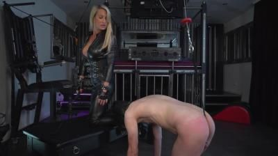 Clips4sale: Caleatoxic - Obedience Leather Worship