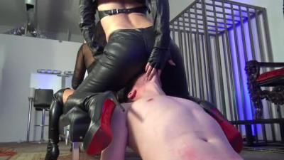 Cybill Troy Femdom Anti-Sex League: Cybill Troy, Eva Cruz - Sadistic Leather Ass Smothering