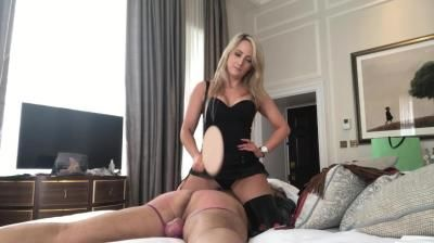 Clips4sale: Mistress Courtney - Slave In Bed Whipping
