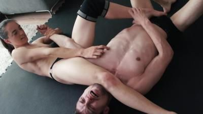 Dirty Wrestling Pit: Get His Balls