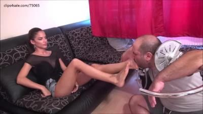 Clips4sale: Foxy Foot Brats, Evike, Take A Shower! - Foot Domination And Humiliation