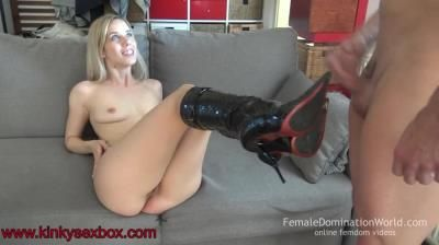 Kinkysexbox: Nesty Boots Sperm Colector